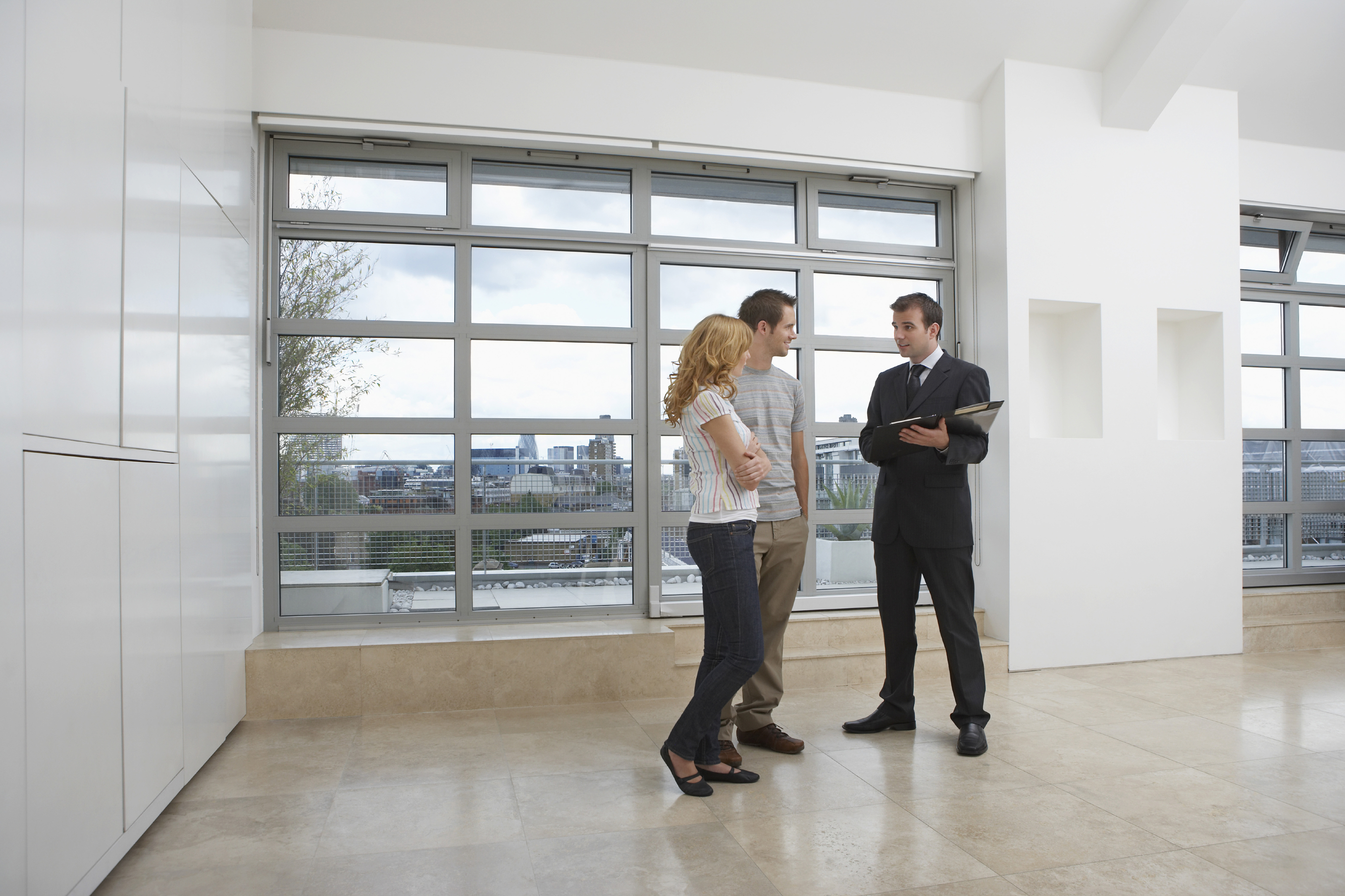 What not to do during a real estate open house.